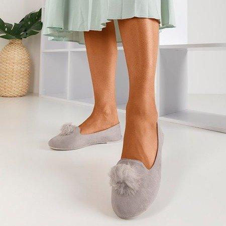 Светло-серые балетки с помпонами Культы - Обувь