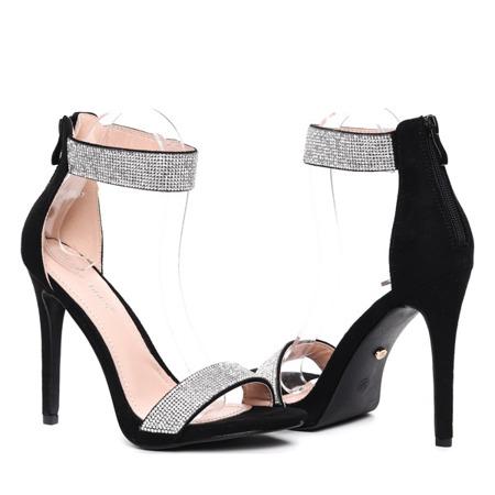 Czarne sandały na szpilce- Obuwie
