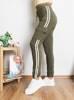 Зеленые женские спортивные штаны с лампасами
