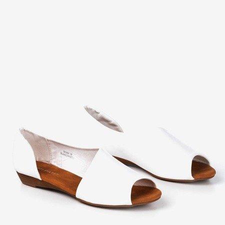 Білі жіночі босоніжки на низькому клині Іриніс - Взуття 1