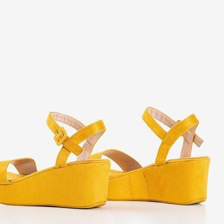 Гірчичні босоніжки на клині Lysnes - Взуття 1