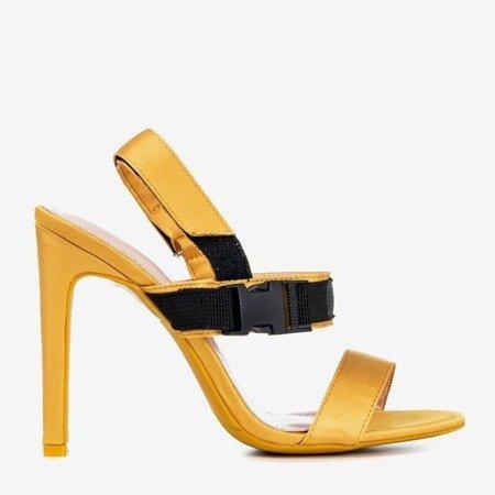 Жовті босоніжки на пості з липучкою Spolisa - Взуття 1