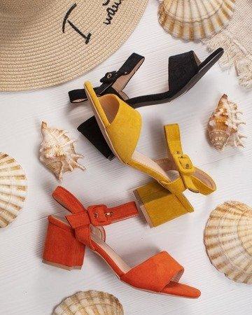Жовті жіночі босоніжки на низькому пості Саола - Взуття 1