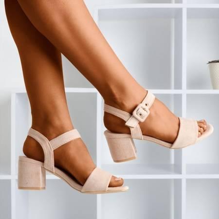 Жіночі сандалії бежевого кольору на низькій стійці Saola - Взуття