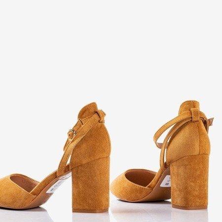 Коричневі вирізи на високій стійці Party Time - Взуття
