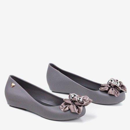 Меліскі сірі з декоративними квітами Мірілії - Взуття