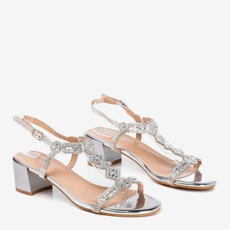 Срібні босоніжки на низькому стовпчику з цирконами Doremi - Взуття 1