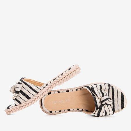 Чорні жіночі тапочки Calina - Взуття 1