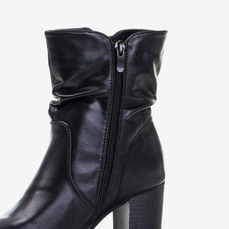 Чорні жіночі чоботи на високій посаді Клістіна - Взуття