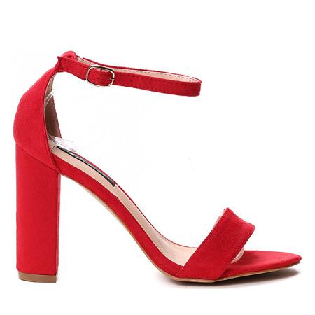Czerwone sandałki na słupku- Obuwie